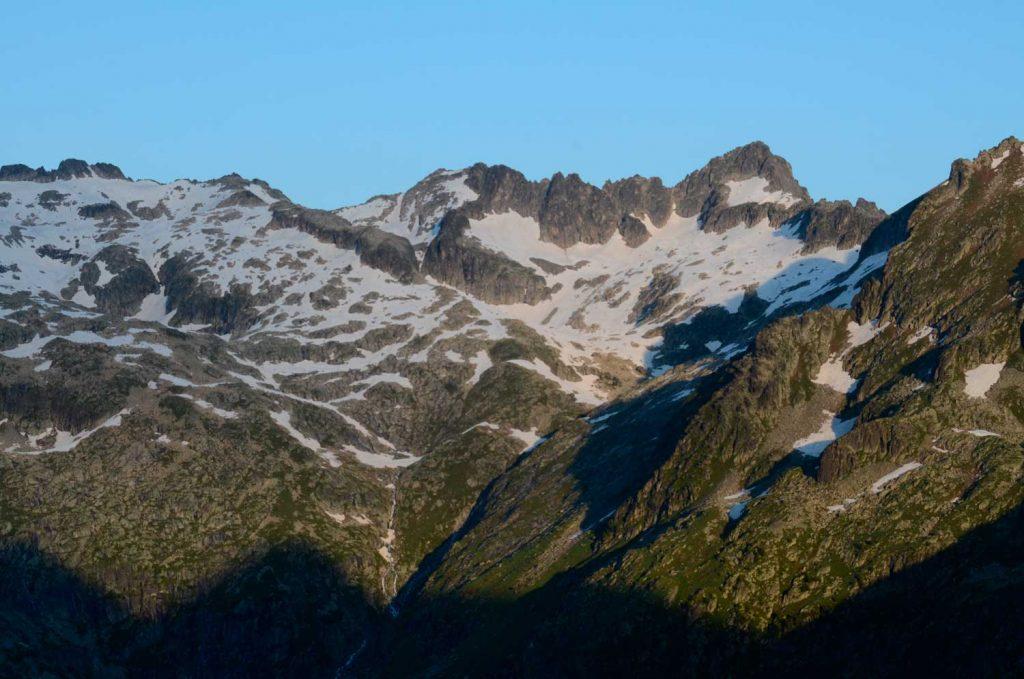 Alpinisme - Traversée des Besiberri N-S